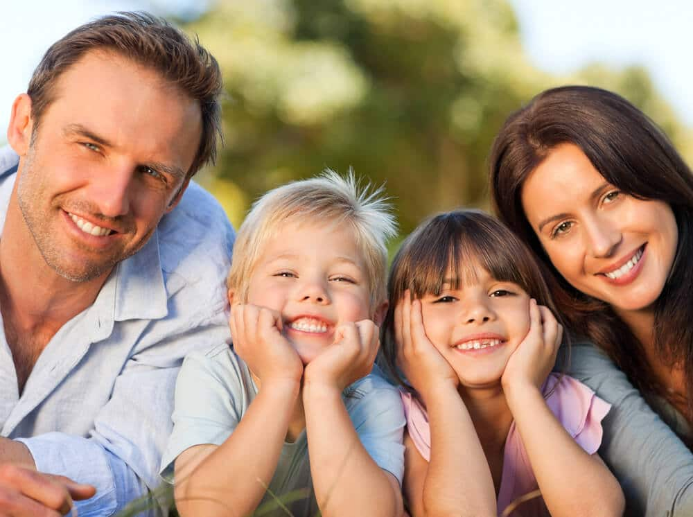 Is there a holistic pediatric dentist in Palm Beach to treat my child?