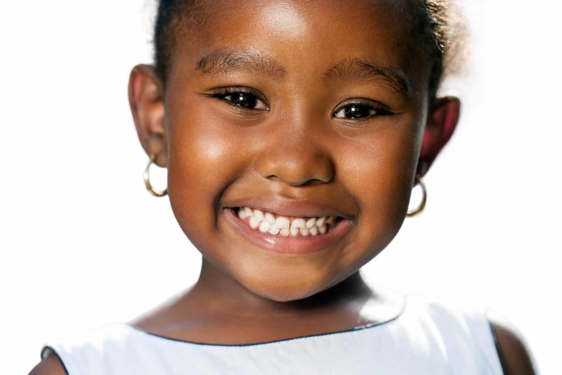 How does Boca Raton children's dentistry say to start a child with flossing?